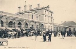 G120 - 38 - GRENOBLE - Isère - La Gare - Grenoble