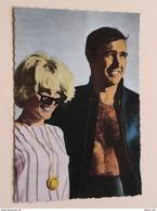 JAMES BOND ( Sean Connery ) MOLLEY PETERS ( Foto : Dpa ) Anno 19?? ( Details Zie Foto's ) ! - Artistes