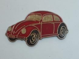 Pin's VOITURE 687, COCCINELLE VOLKSWAGEN - Volkswagen