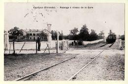 X33104 Peu Commun CAPTIEUX Train Locomotive Passage à Niveau De La Gare 1908 à FLORISSON Rue Entraigues Tours Cptrain - Autres Communes