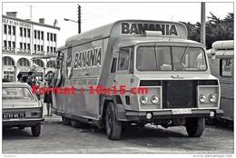 Reproduction D'une Photographie D'un Camion Publicitaire Pour La Marque Banania En 1969 - Reproductions