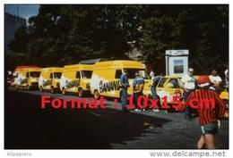 Reproduction D'une Photographie De La Caravane Publicitaire Pour La Marque Banania En 1982 - Reproductions