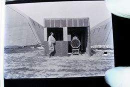 Guerre 14-18 AVIATION Projecteur Anti Aerien Et Repas Deux Négatifs Par Militaire Escadrille VB 110 - 1914-18