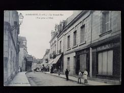 CPA D37  Bourgueil, La Grande Rue - France
