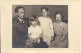 BELGIQUE - LE ROI LEOPOLD ET SES TROIS ENFANTS (Photo) - Familles Royales
