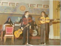 C2100 - FOTOGRAFIA SPETTACOLO CABARET - DUO COMICO COCHI PONZONI E RENATO POZZETTO Anni '60 - Persone Identificate