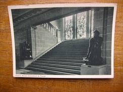 Suisse , Genève , Bureau International Du Travail Escalier Principale Statue De Constantin Meunier Don De La Belgique - GE Genève