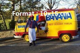 Reproduction D'une Photographie D'une Camionnette Publicitaire Banania Avec Le Conducteur Déguisé - Reproductions