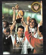 Sao Tome En Principe 1990 Mi Nr Blok 1182 : Voetbal, Football; WK Italy,  Völler, Maradona, Matthäus - São Tomé Und Príncipe