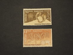 PAKISTAN - 1963 FAME/MAIS  2 VALORI - NUOVI(++) - Pakistan