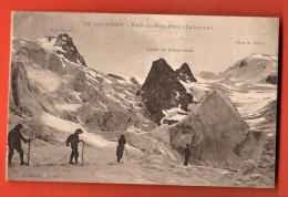 EVG-02 Alpinistes à Chamonix Route Du Mont-Blanc, La Jonction. Animé. Non Circulé. - Alpinisme