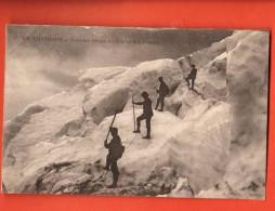 EVG-06 Alpinistes à Chamonix Dans Les Séracs Du Glacier Des Bossons Animé. Non Circulé. - Alpinisme