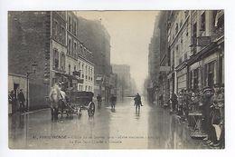 CPA Paris 15 Paris Inondé 1910 La Rue Saint-Charles à Grenelle N° 61 Noyer - Inondations De 1910