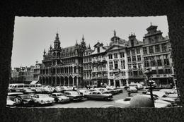 140-Brussel, Bruxelles, Grote Markt / Auto's - Marchés