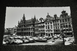 140-Brussel, Bruxelles, Grote Markt / Auto's - Markten