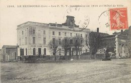 LE NEUBOURG - Les P.T.T. Inaugurés En 1912 Et L'hôtel De Ville. - Poste & Postini