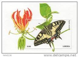 LIBERIA  2225  MINT NEVER HINGED SOUVENIR SHEET OF BUTTERFLIES   (  0316 - Schmetterlinge