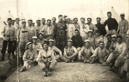 B 2347 - Carte  Photo     Vitry Les Reims   1914  Groupe De Militaires     Classe 1911      Les Anciens 60 - Personnages