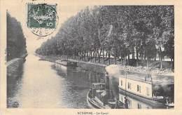 PENICHES Barge - 21 - AUXONNE Le Canal ( Remorqueur En 1er Plan ) CPA Astkähne Aken Chiatte Tugboat Schlepper Sleepboot - Remolcadores