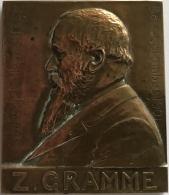 Médaille Bronze. Zénobe Gramme. Exposition Universelle Liège 1905. M. Mathelin.  50x60mm - 89 Gr. - Professionnels / De Société