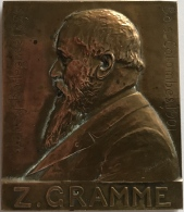 Médaille Bronze. Zénobe Gramme. Exposition Universelle Liège 1905. M. Mathelin.  50x60mm - 89 Gr. - Professionali / Di Società