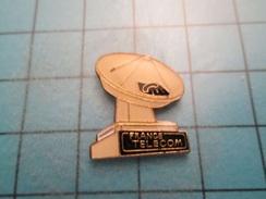 Pin413d Pin's Pins / Rare FRANCE TELECOM RADAR DE TELECOMMUNICATIONS   Belle Qualité !!!    Marquage Au Dos : ---- - France Telecom