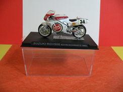 MOTO 1/24 > Suzuki RG 500 Kevin Schwantz 1993 Sous Vitrine - Motos
