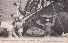 """MONACO : Campagne Scientifique De La """" PRINCESSE ALICE """" Le Prince Dirigeant Une Opération De Peche - Oceanographic Museum"""