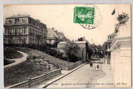 14 Houlgate - Le Jardin Du Grand Hotel Et La Rue Des Aulnes - Houlgate