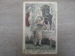 Femme Qui Fume Appuyée Sur Une Table 1902, Timbre (W2) - Women