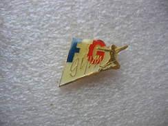 Pin's De La FFG, Fédération Francaise De Gym - Gymnastics