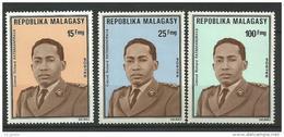 "Madagascar YT 556 à 558 "" Colonel Ratsimandrava "" 1975 Neuf** - Madagascar (1960-...)"