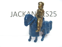 KINDER METAL CHEVALIER   K97 N 74 1996 SANS OHNE WITHOUT BPZ - Figurines En Métal