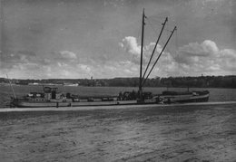 Photo Originale Péniche Immense 1930/40 - Franz Wul...- Grosshandlund Avec Grues & Autos Plus Mariniers  - Batellerie - Boats