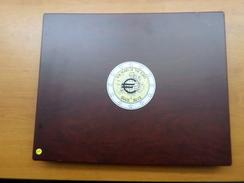Coffret De Luxe En Bois Avec Pièces Euros 2012 10 Ans De L'euros Complet - EURO