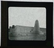 Plaque De Verre - Les Tombes Du Général LAPERRINE Et Ch. De Foucauld - Maison Bonne Presse Rue Bayard - 10 X 8,5 Cm - Glasdias