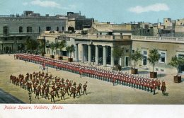 MALTA - Palace Square Valletta  - Soldiers On Parade Etc - Malte
