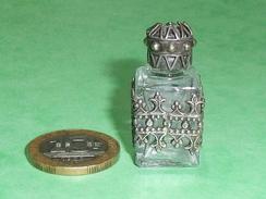 Bouteille à Parfum  : Métal Et Verre , Bouchon à Vis   Superbe     TB18 - Perfume Miniatures