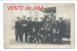 93/ SEINE SAINT DENIS..Carte Postale Photo Chauffeurs De Bus Au Dépôt De MONTREUIL - Montreuil