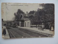 77 OZOIR-La-FERRIERE OUZOUER-La-FERRIERE La Gare Animée Train à Vapeur Chemin De Fer - Other Municipalities