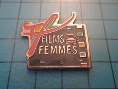 Pin413f Pin's Pins / CINEMA : Rare FESTIVAL FILMS DE FEMMES  (des Films Sur Le Shopping Ou Le Ménage) , Belle Qualité !! - Films