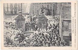 29. PLOUGASTEL-DAOULAS. Le Christ Sortant De L'Eglise - Plougastel-Daoulas
