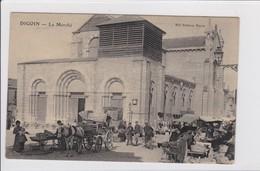 DIGOIN  *  Le Marché  -  Carte Postal En Très Bon état - Digoin