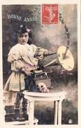 CPA Fillette Phonographe Gramophone Musique Music Bonne Année Fantaisie - Año Nuevo