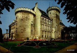 16 - ANGOULEME - Hotel De Ville - Chateau - Angouleme