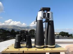 X Binocolo Gigante 25x100 Con Staffa Centrale Per Treppiede E Valigia Per Trasporto - Photography
