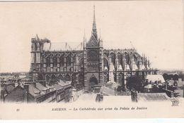 Cp , 80 , AMIENS , La Cathédrale, Vue Prise Du Palais De Justice - Amiens
