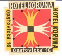 ,ETIQUETA DE HOTEL  -   HOTEL KORUNA  -OPATOVICKA - REPÚBLICA CHECA - Etiquettes D'hotels