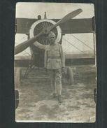 Militaria :Photo Format 11cm X 7cm D'un Soldat Devant Un Avion :1ere Guerre Mondiale? - Aviation