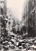 35 - SAINT MALO ( Série Après La Bataille Août 1944 ) RUE PORCON - CPSM Dentelée Noir Blanc GF Ille Vilaine - Saint Malo